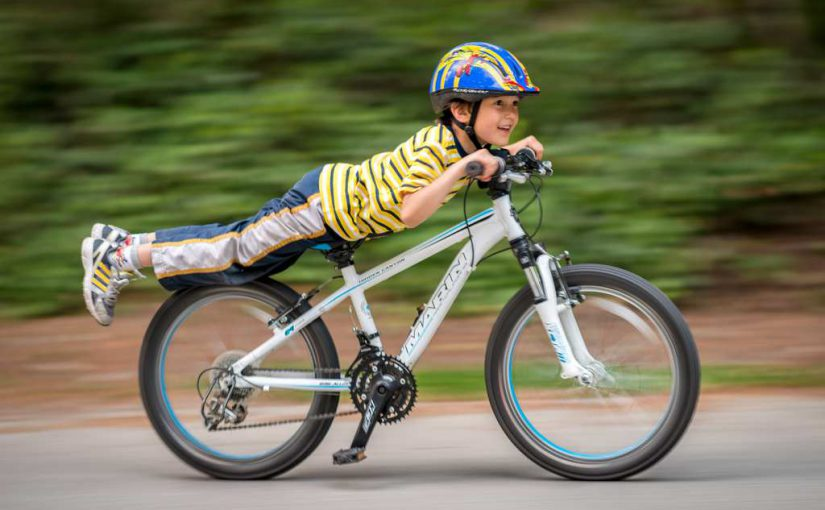 Hogyan tanítsuk meg a gyermeket biciklizni?